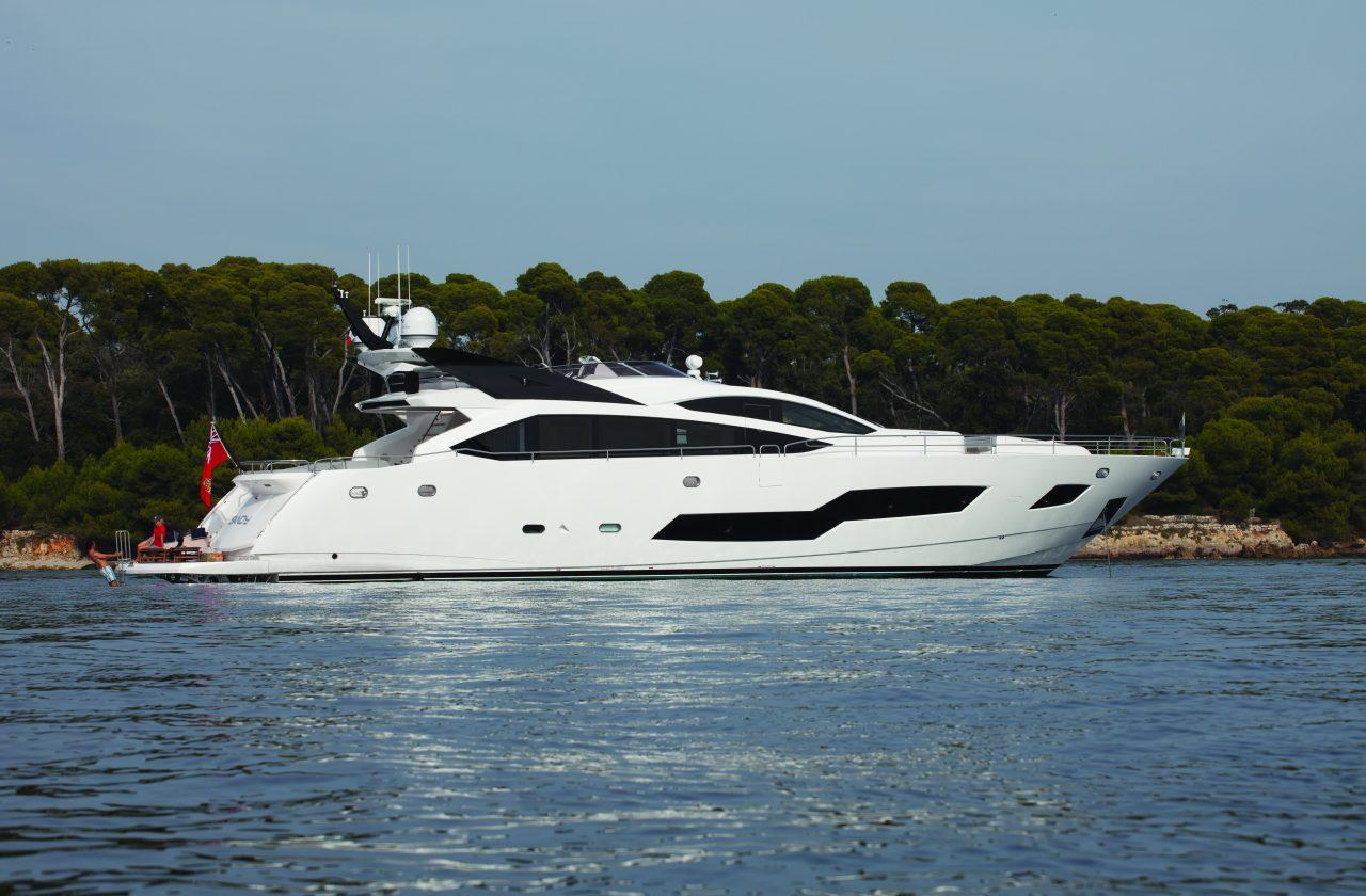 Sunseeker 101 Sport Yacht | Экстрьер 0