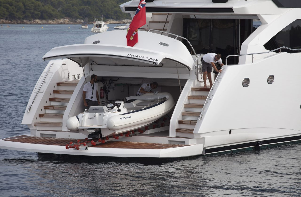 Sunseeker 101 Sport Yacht | Экстрьер 4