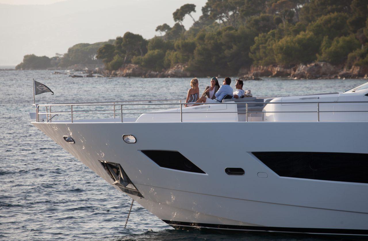 Sunseeker 101 Sport Yacht | Экстрьер 5