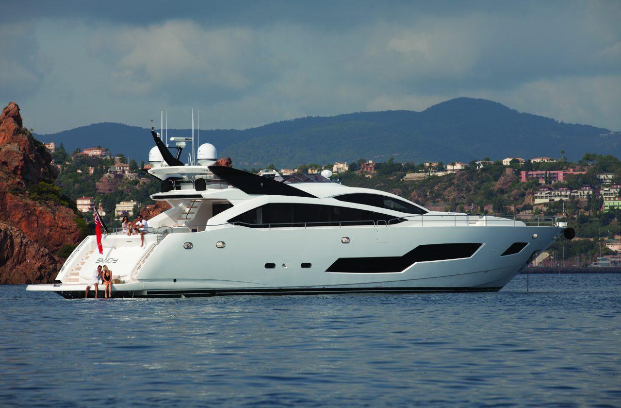 Sunseeker 101 Sport Yacht | Экстрьер 13