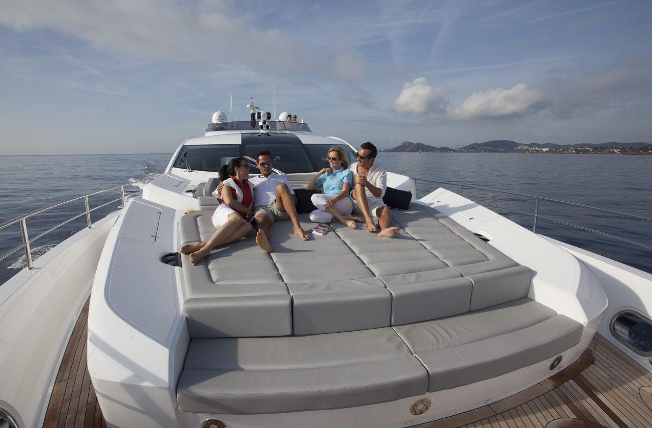 Sunseeker 101 Sport Yacht | Экстрьер 12