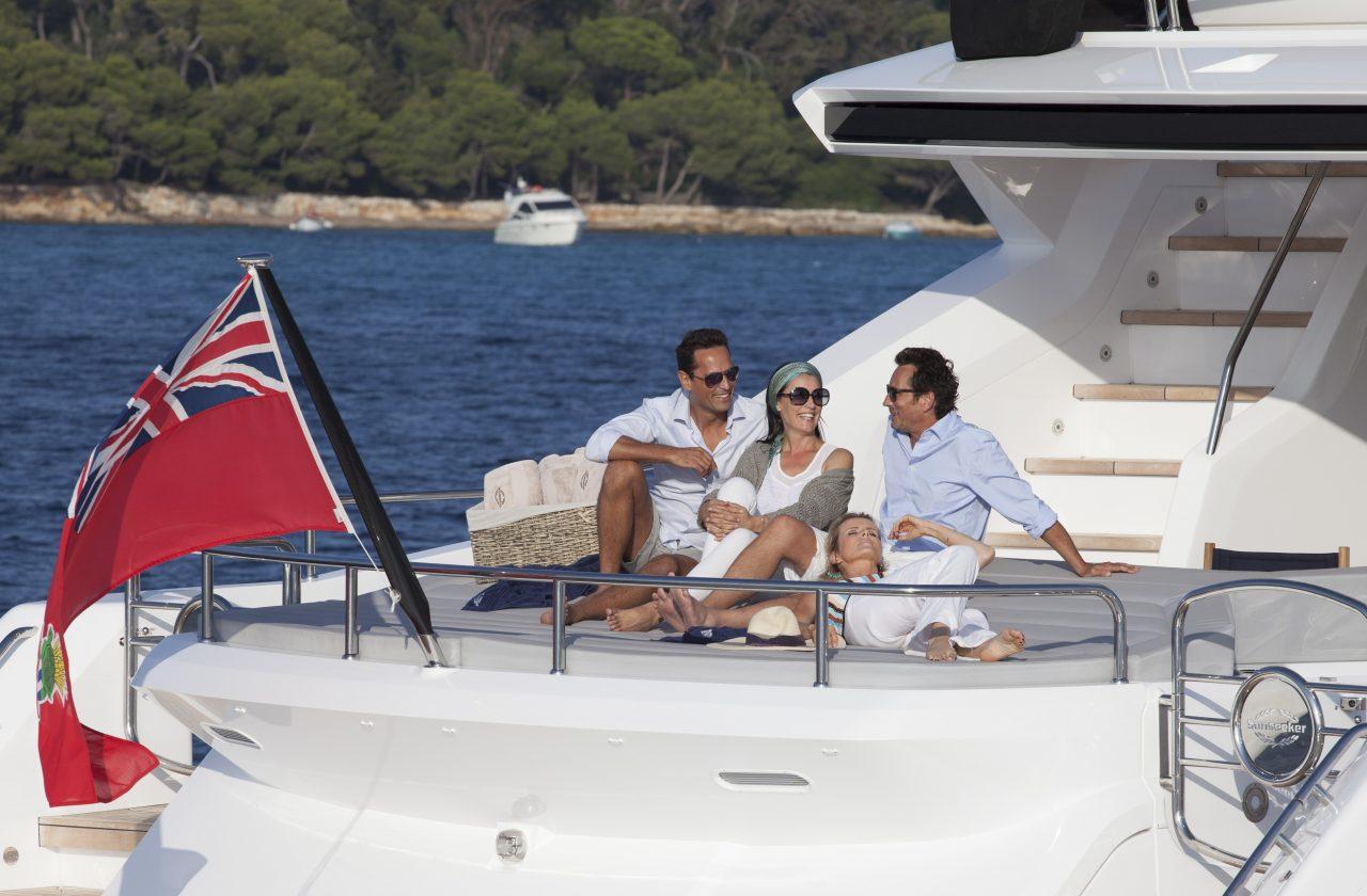 Sunseeker 101 Sport Yacht | Экстрьер 11