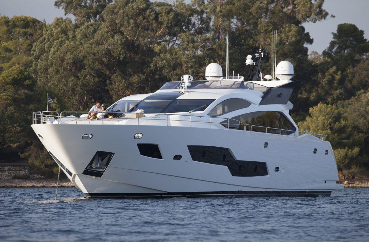 Sunseeker 101 Sport Yacht | Экстрьер 9