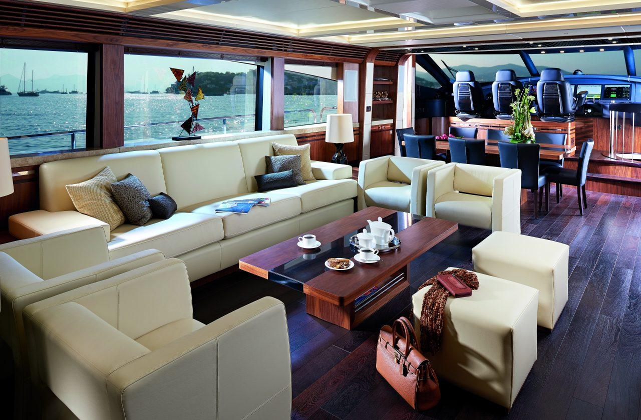 Sunseeker 101 Sport Yacht | Интерьер 2