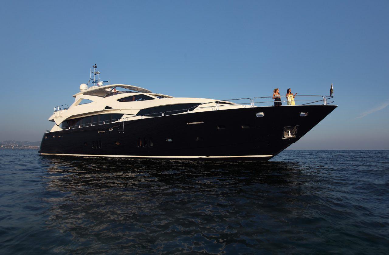 Sunseeker 34 Metre Yacht | Экстрьер 2