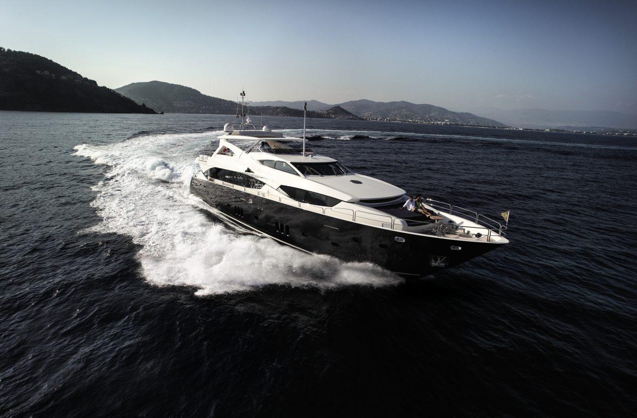 Sunseeker 34 Metre Yacht | Экстрьер 3
