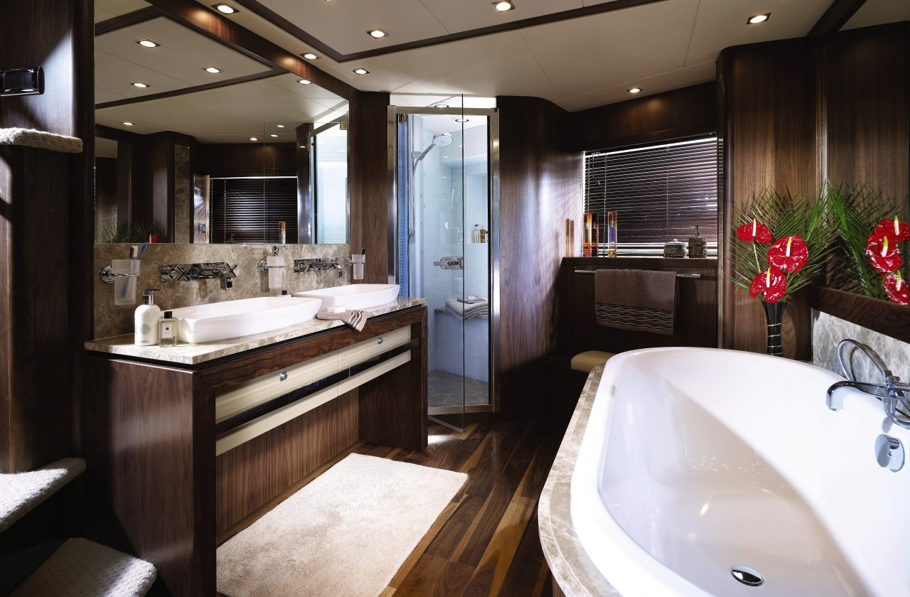 Sunseeker 34 Metre Yacht | Интерьер 1
