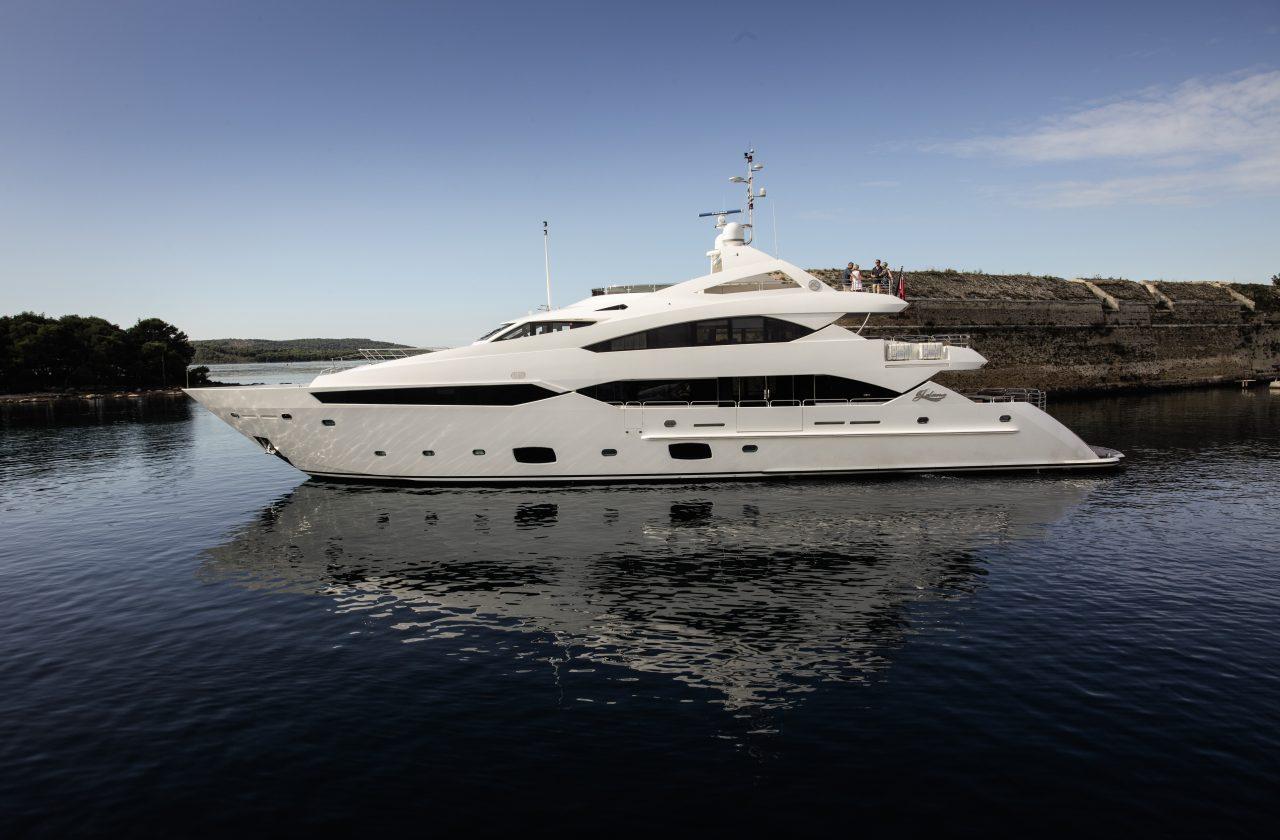 Sunseeker 40 Metre Yacht | Экстрьер 1
