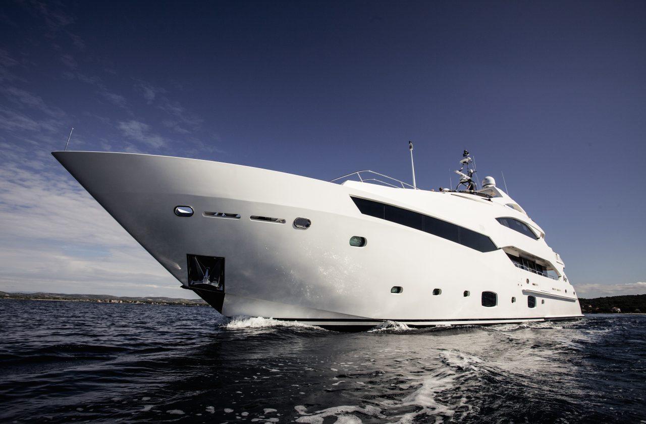 Sunseeker 40 Metre Yacht | Экстрьер 2