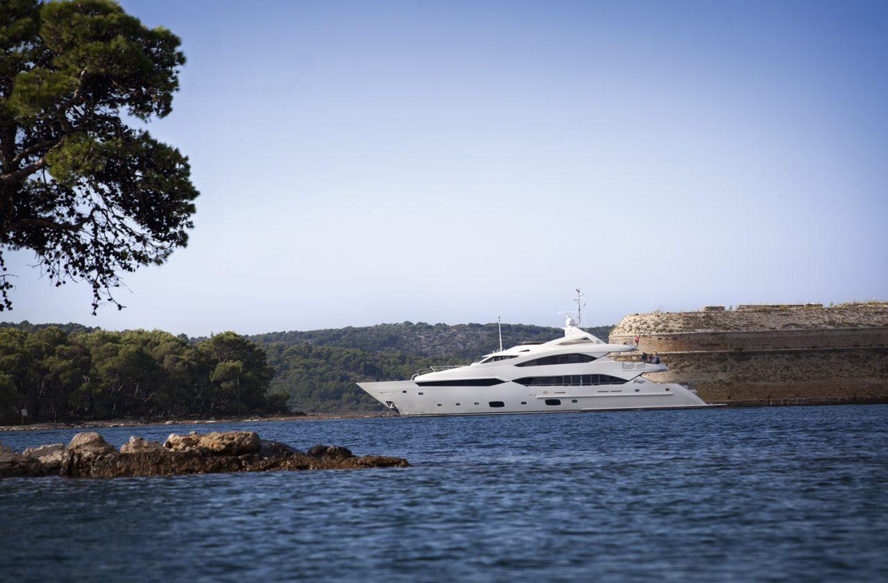 Sunseeker 40 Metre Yacht | Экстрьер 5