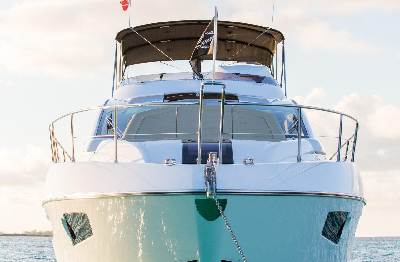 Sunseeker 68 Sport Yacht   Экстрьер 6