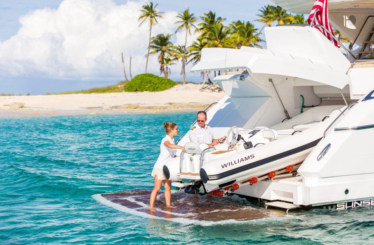 Sunseeker 68 Sport Yacht   Экстрьер 3