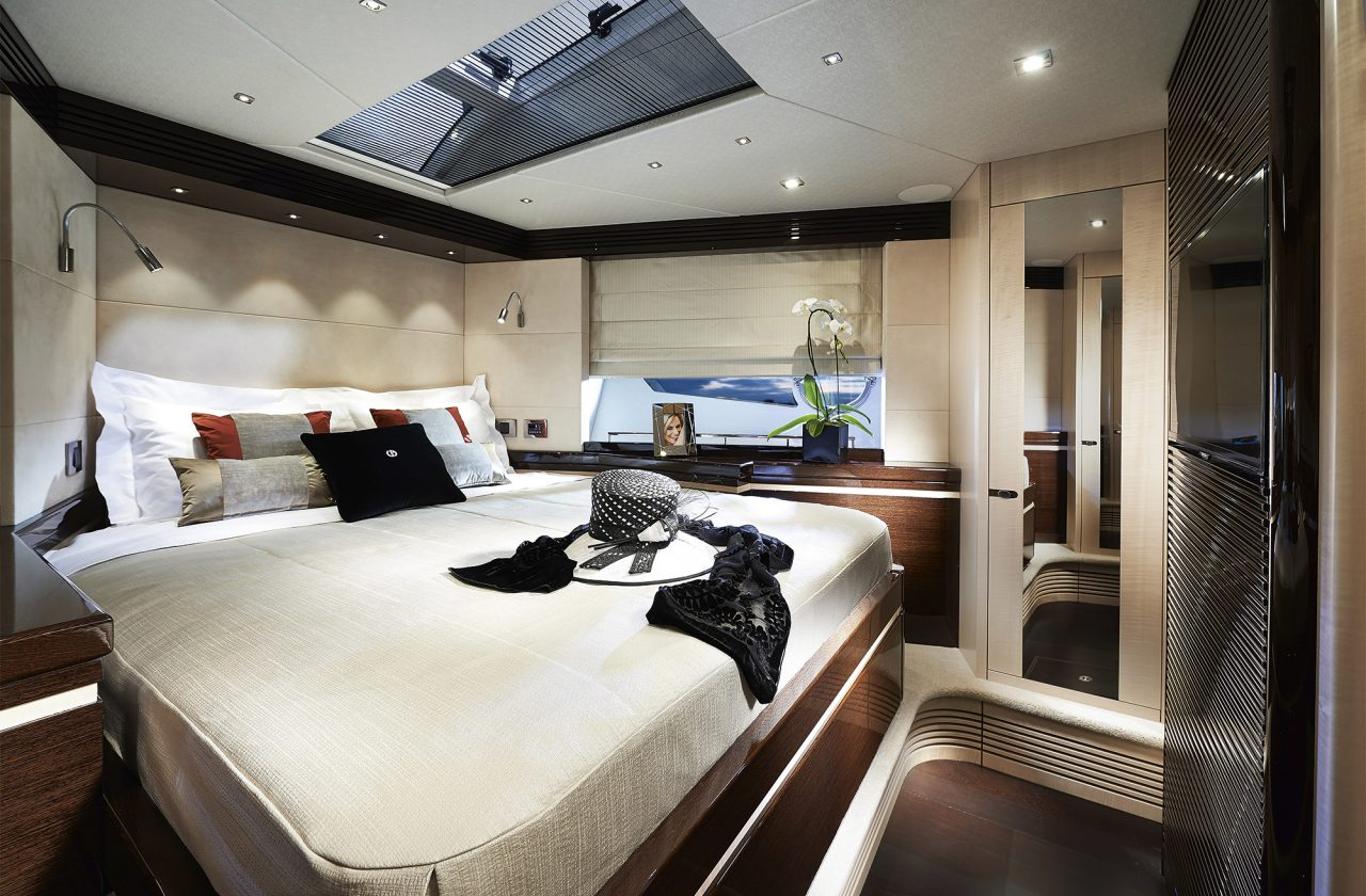 Sunseeker 68 Sport Yacht   Интерьер 2