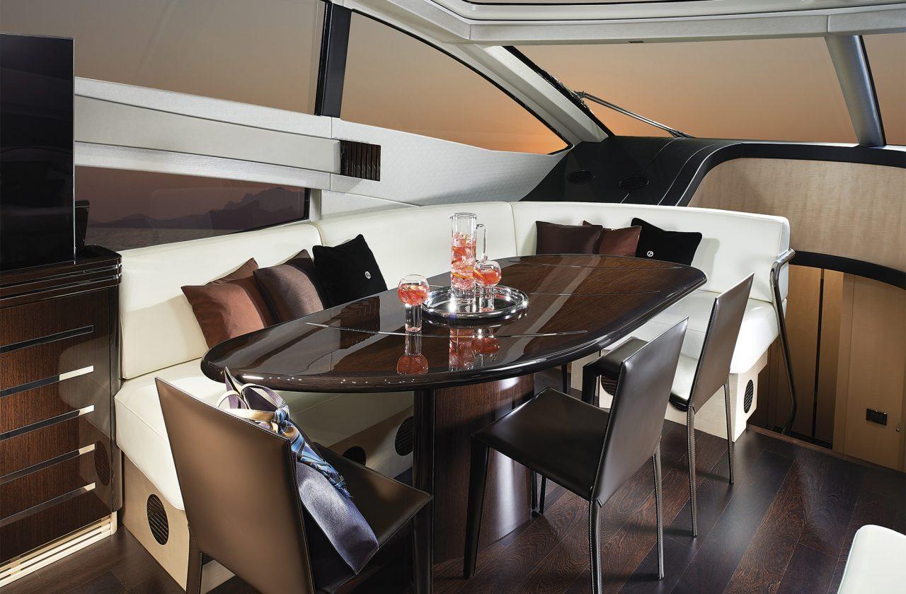 Sunseeker 68 Sport Yacht   Интерьер 1