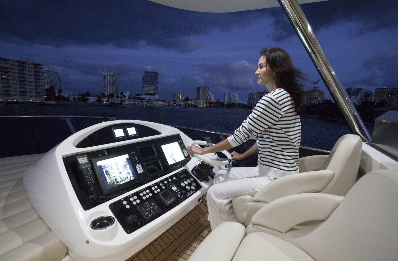 Sunseeker 75 Yacht | Интерьер 14