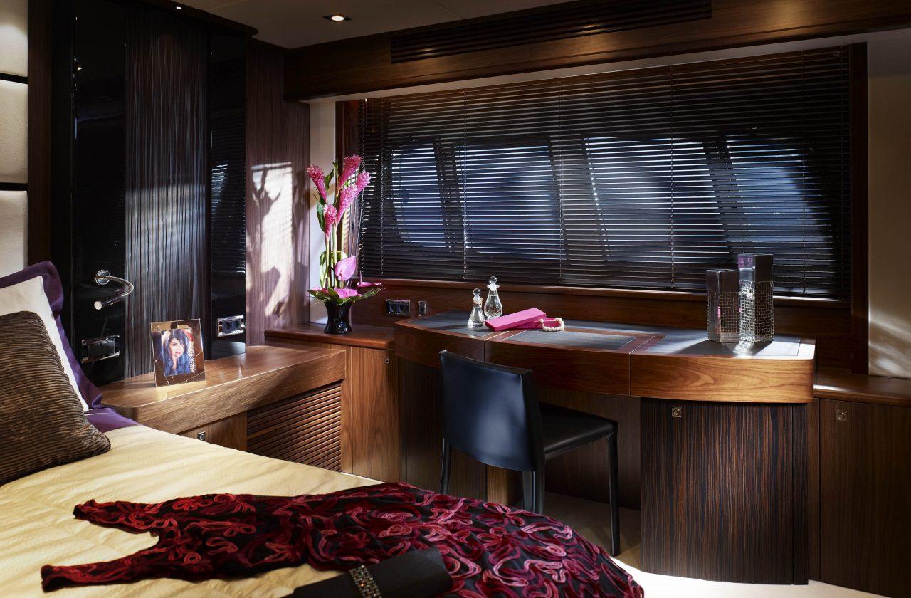 Sunseeker 80 Yacht | Интерьер 5
