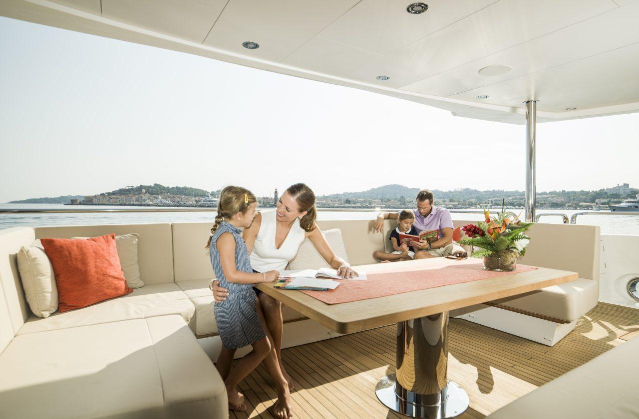 Sunseeker 131 Yacht | Интерьер 13