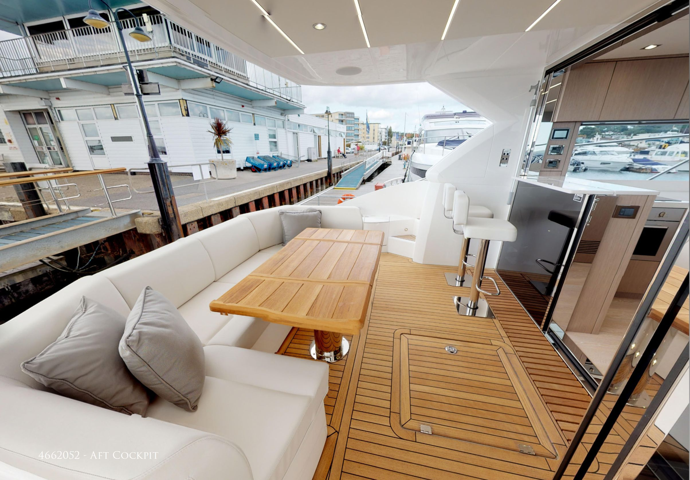 Sunseeker Manhattan 52 | Интерьер 0