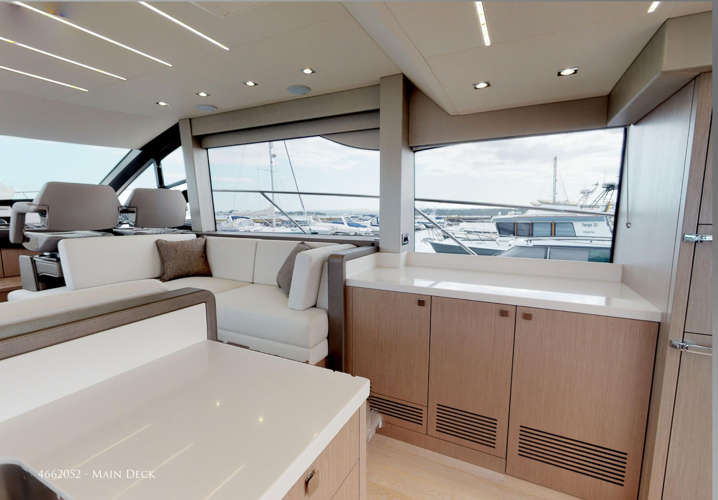 Sunseeker Manhattan 52 | Интерьер 3