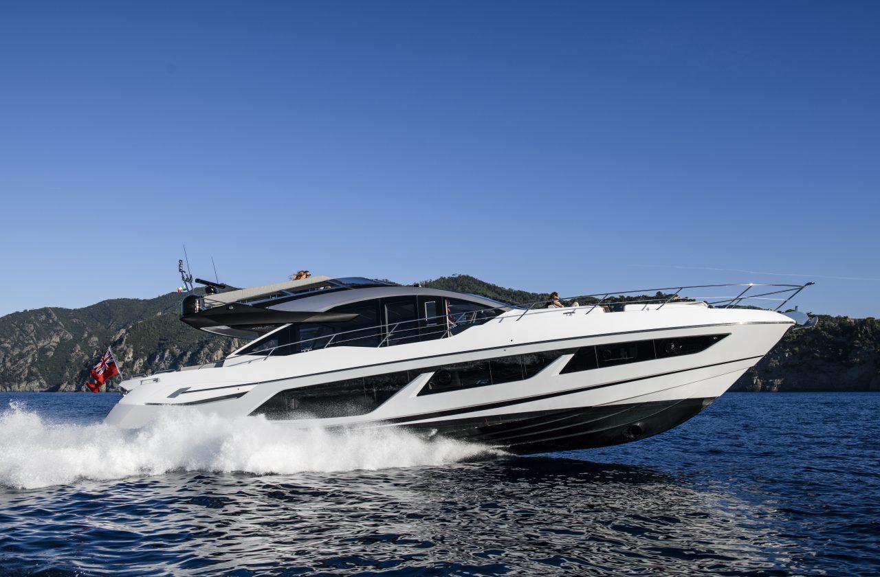 Sunseeker 74 Sport Yacht | Экстрьер 1
