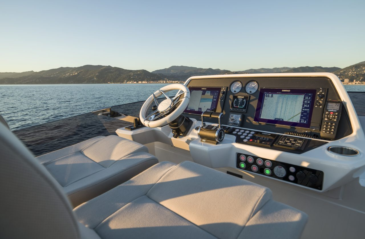 Sunseeker 74 Sport Yacht | Экстрьер 9