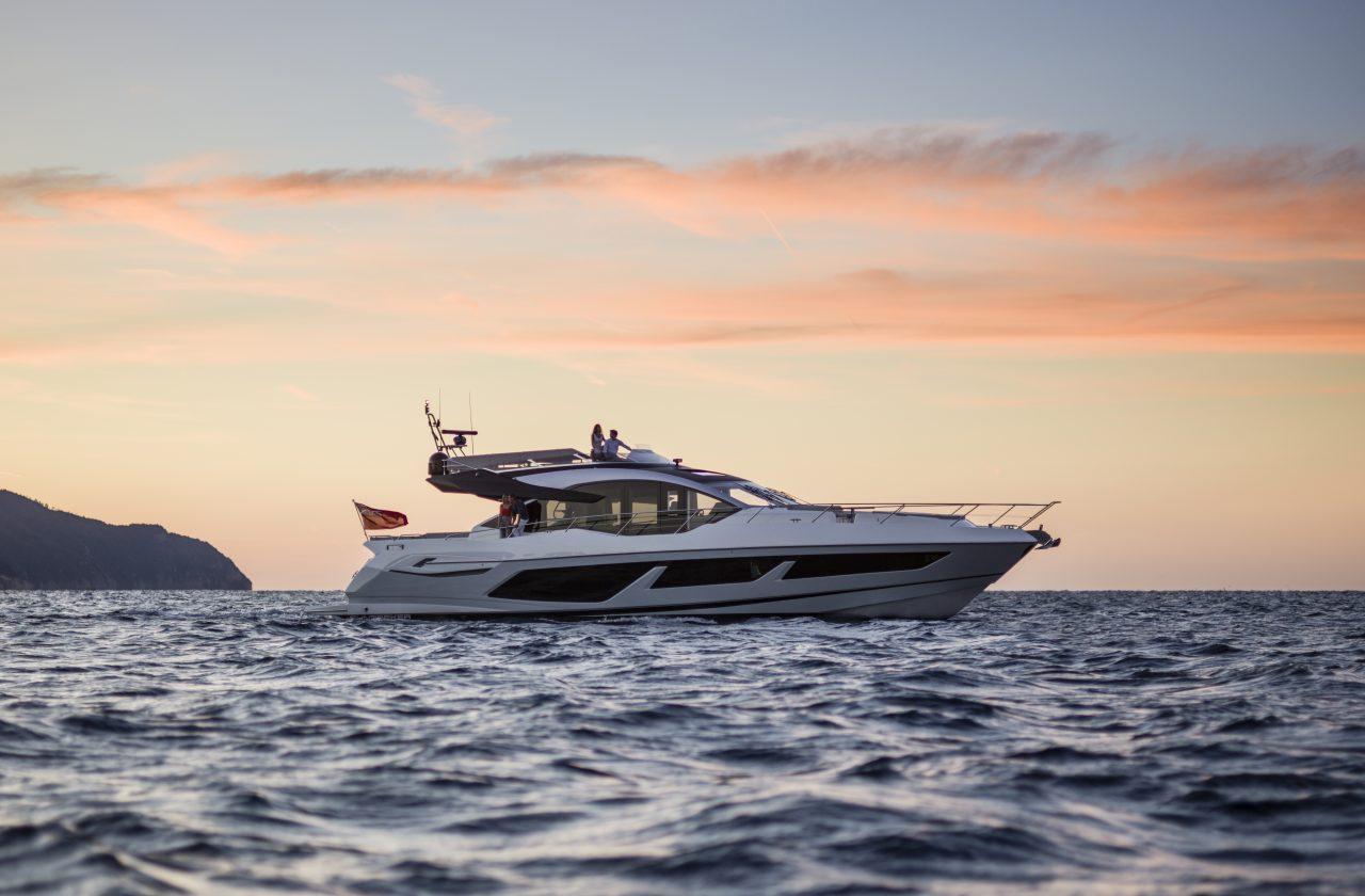 Sunseeker 74 Sport Yacht | Экстрьер 0