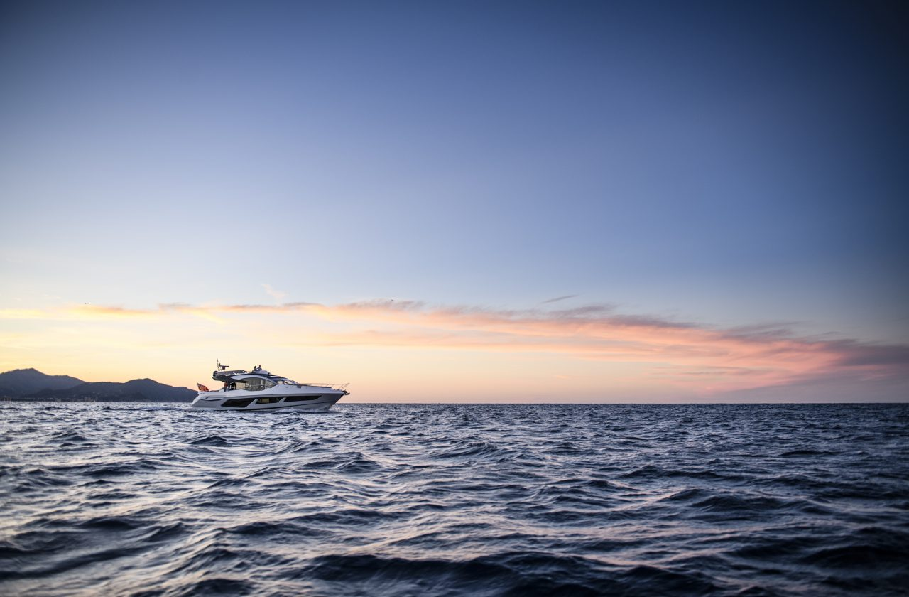 Sunseeker 74 Sport Yacht | Экстрьер 3