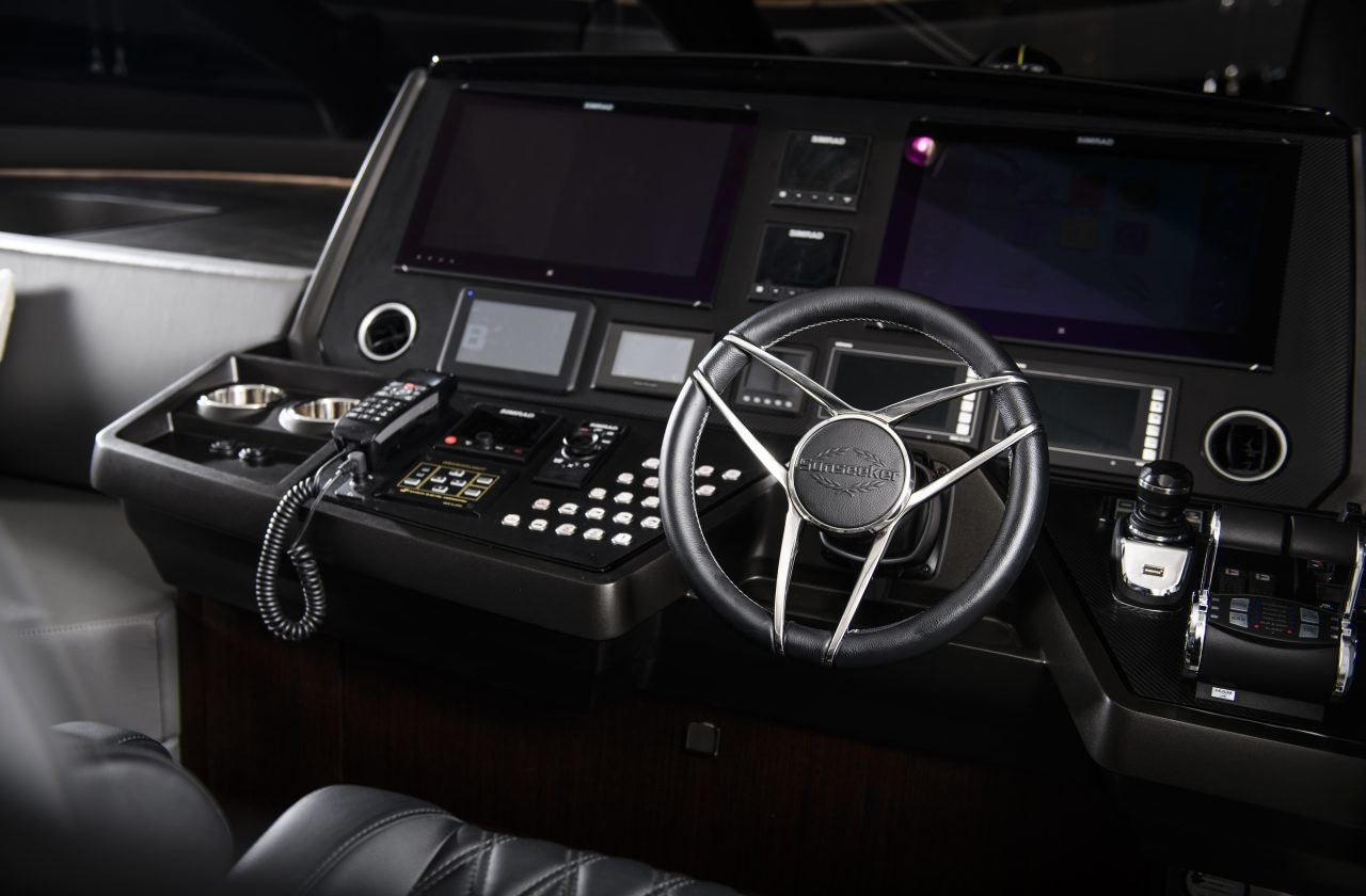 Sunseeker 74 Sport Yacht   Интерьер 7