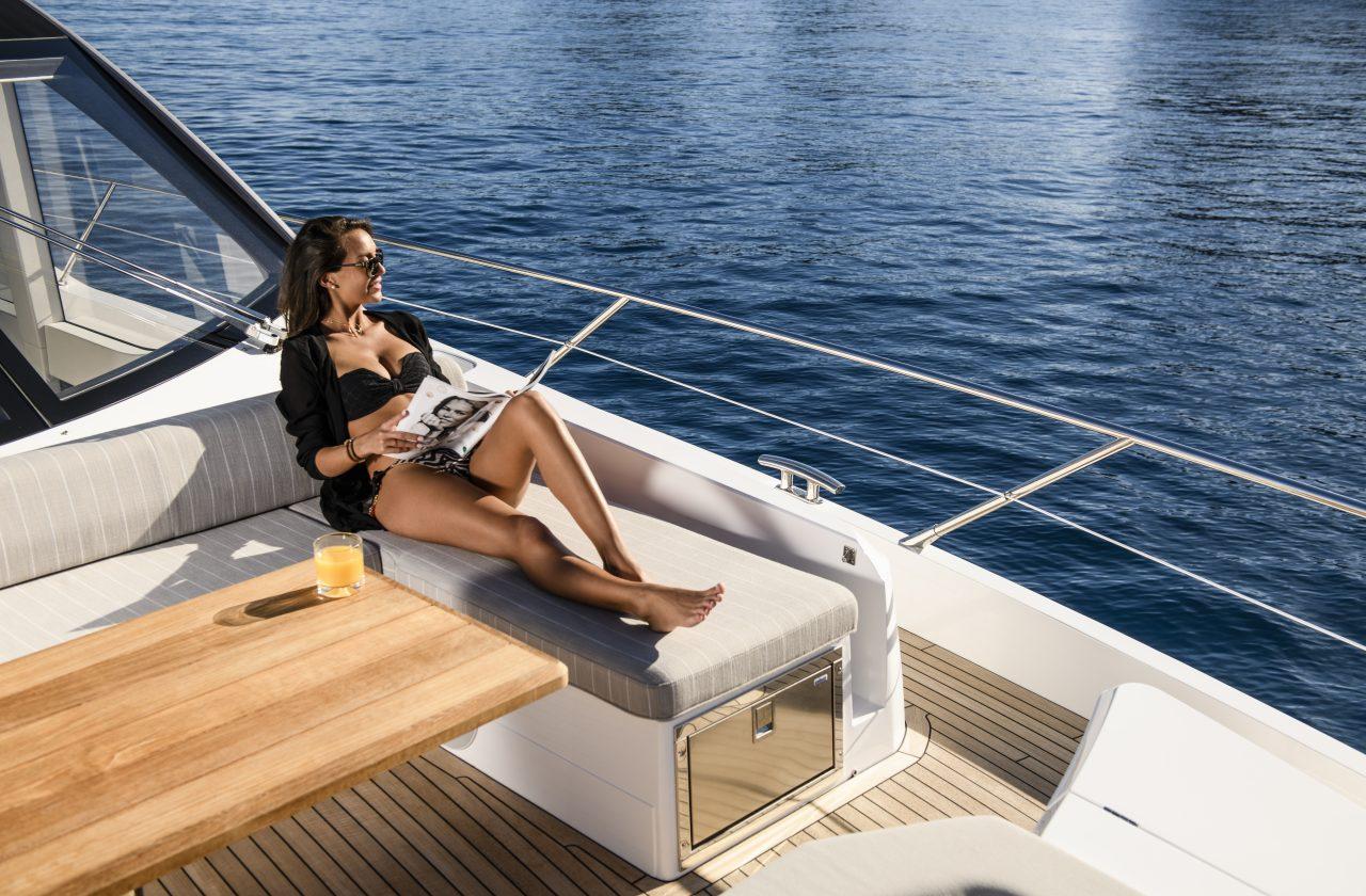 Sunseeker 74 Sport Yacht | Интерьер 10