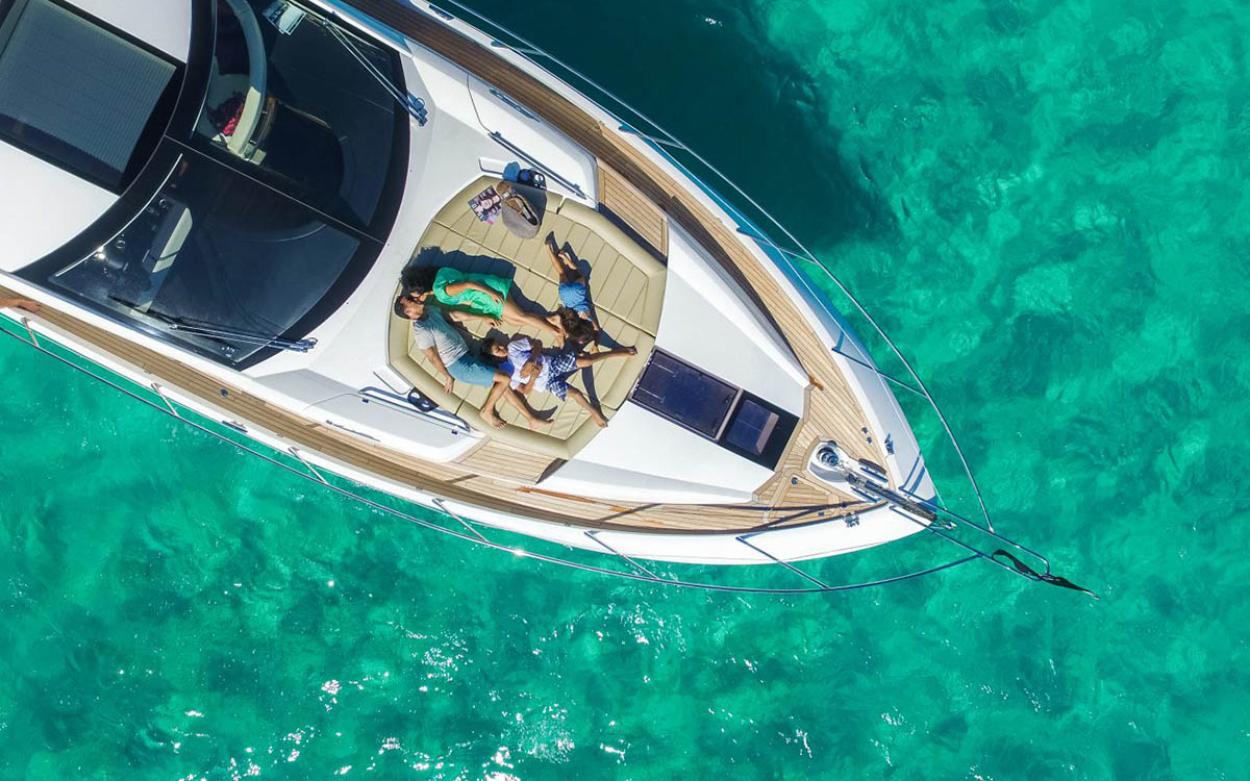 Sunseeker 68 Sport Yacht | Экстрьер 6