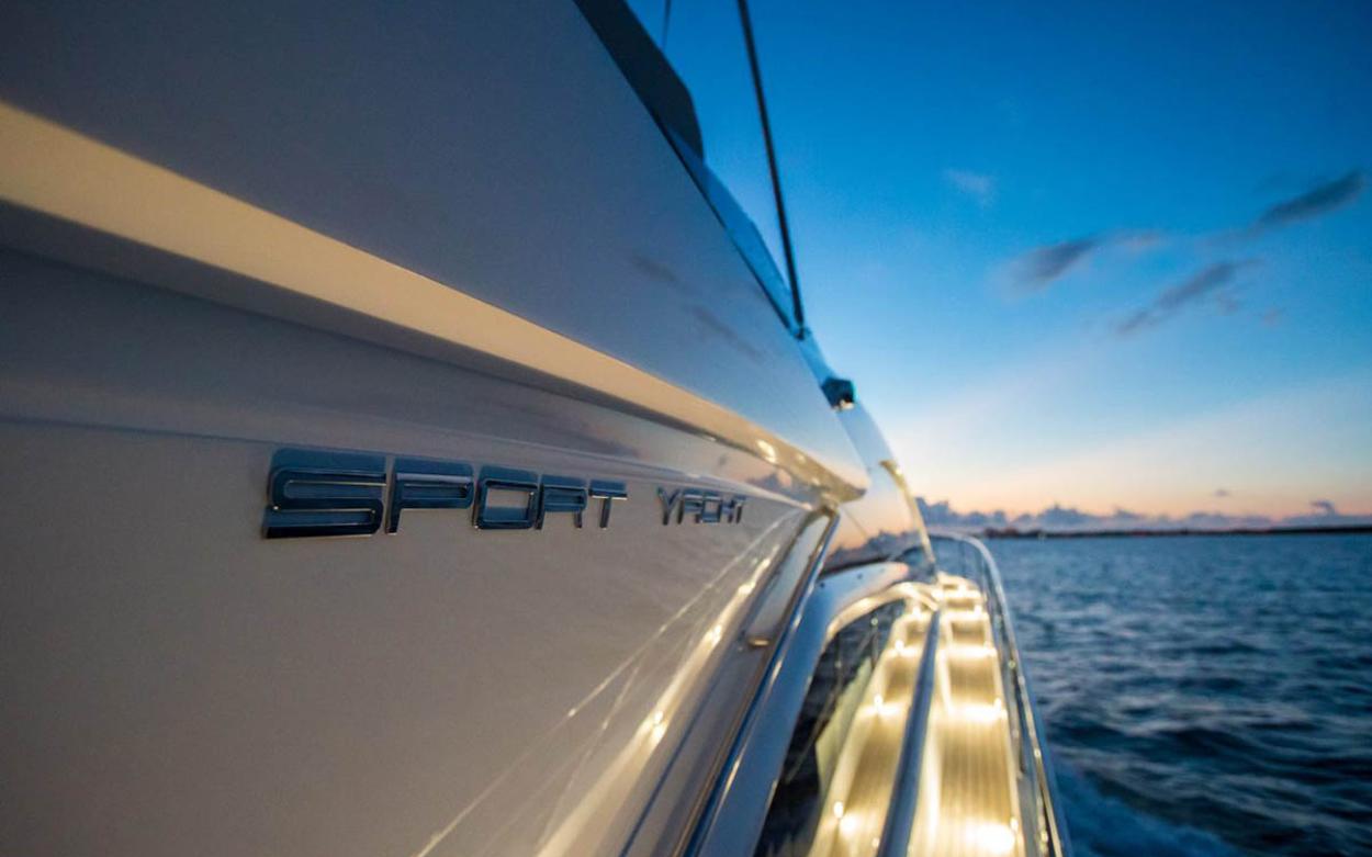 Sunseeker 68 Sport Yacht | Экстрьер 2