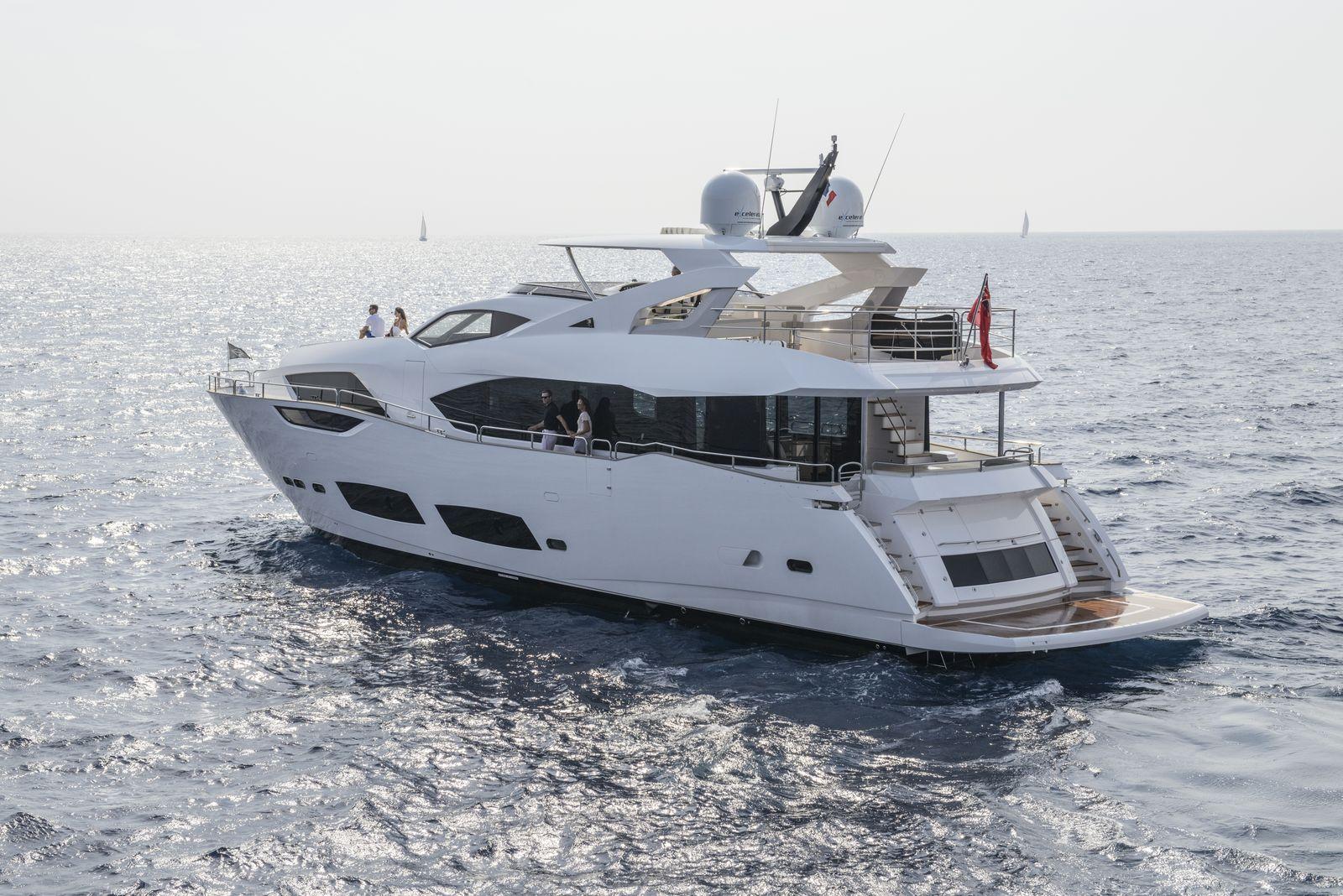 Sunseeker 95 Yacht | Экстрьер 2