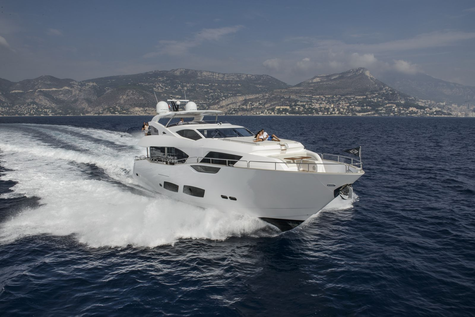 Sunseeker 95 Yacht | Экстрьер 10