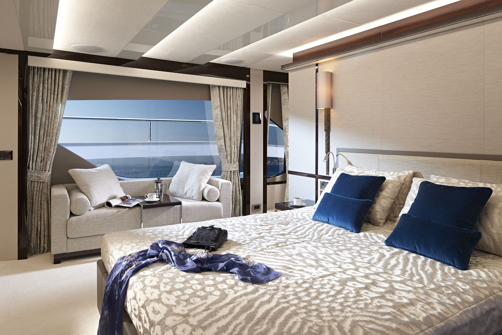 Sunseeker 95 Yacht | Интерьер 4