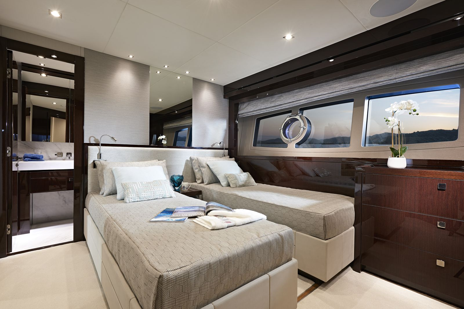 Sunseeker 95 Yacht | Интерьер 10
