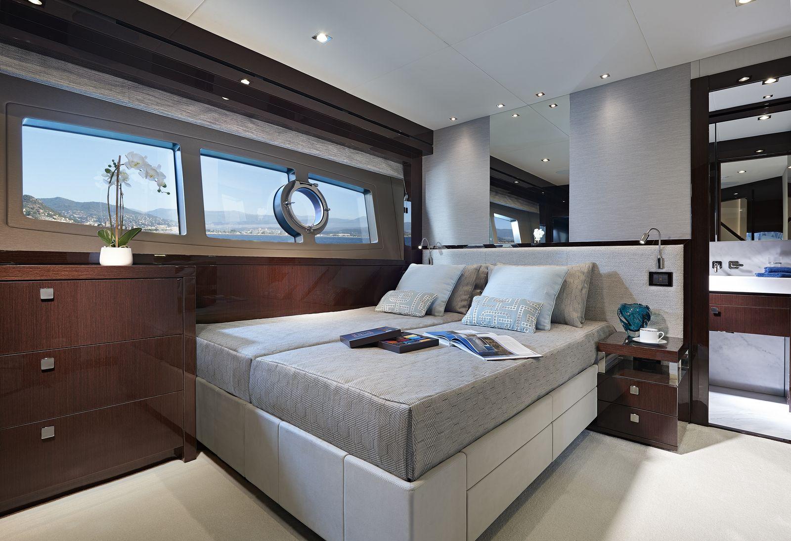 Sunseeker 95 Yacht | Интерьер 11