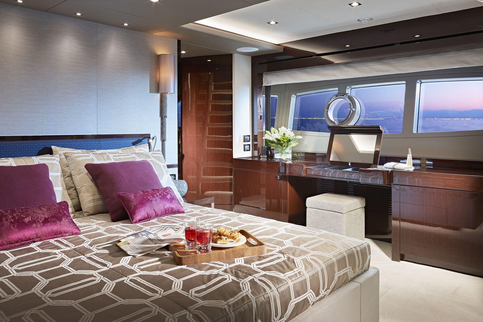 Sunseeker 95 Yacht | Интерьер 15