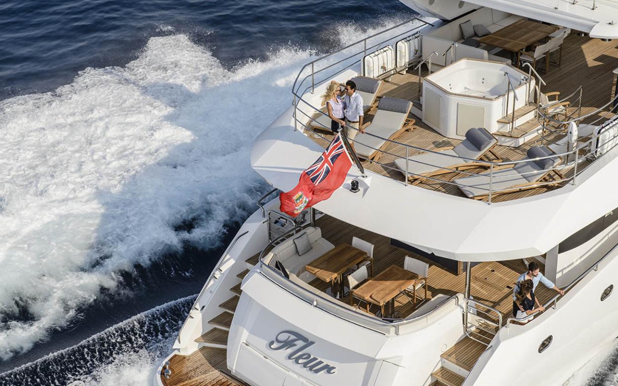 Sunseeker 116 Yacht | Экстрьер 2