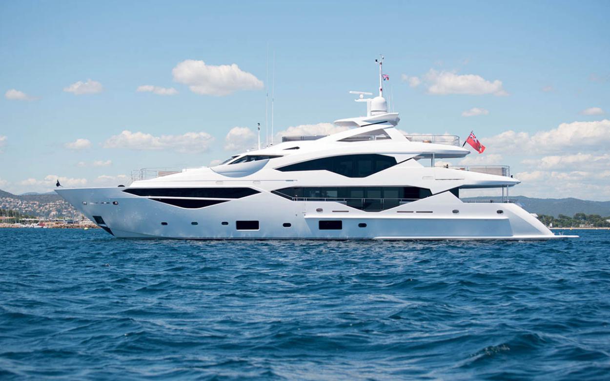 Sunseeker 131 Yacht | Экстрьер 3