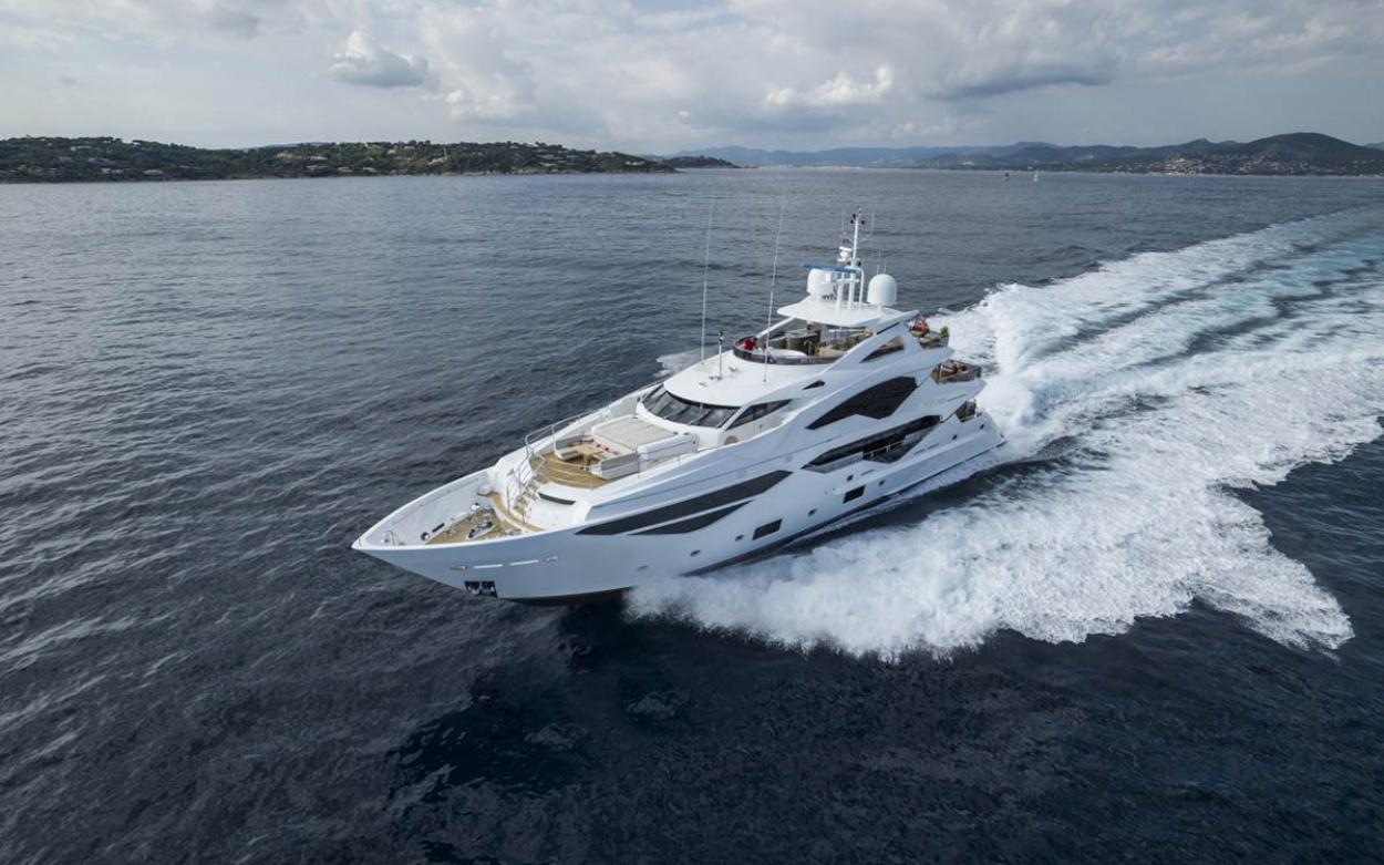 Sunseeker 131 Yacht | Экстрьер 4
