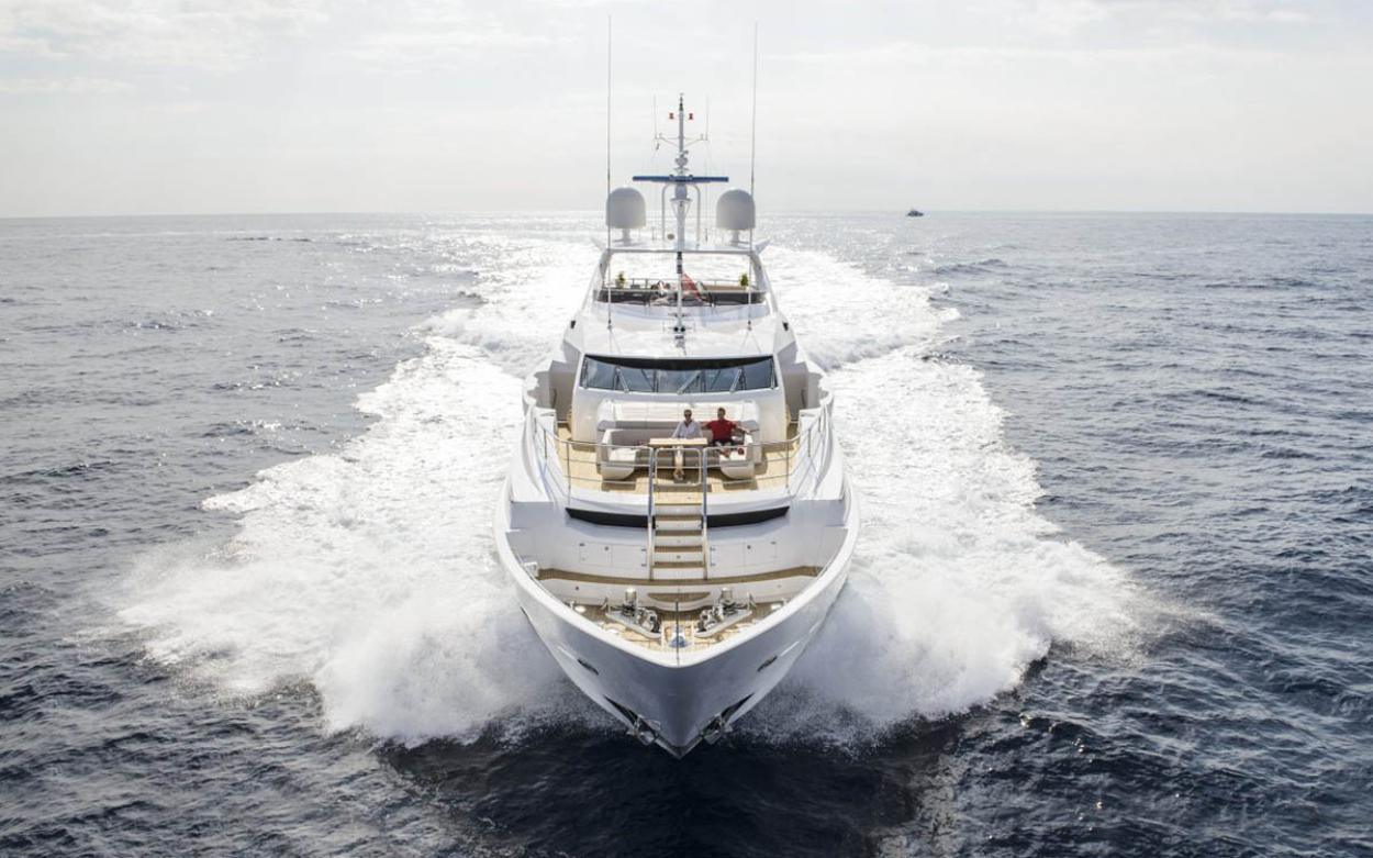 Sunseeker 131 Yacht | Экстрьер 6