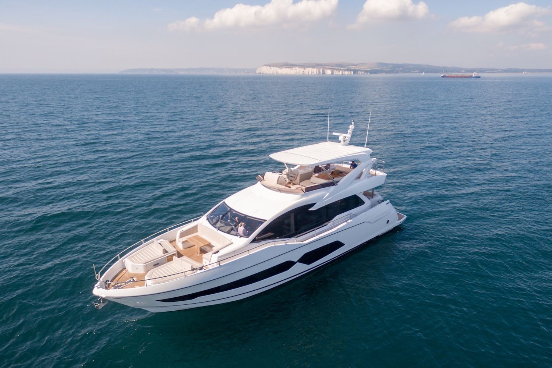 Sunseeker 76 Yacht | Экстрьер 3