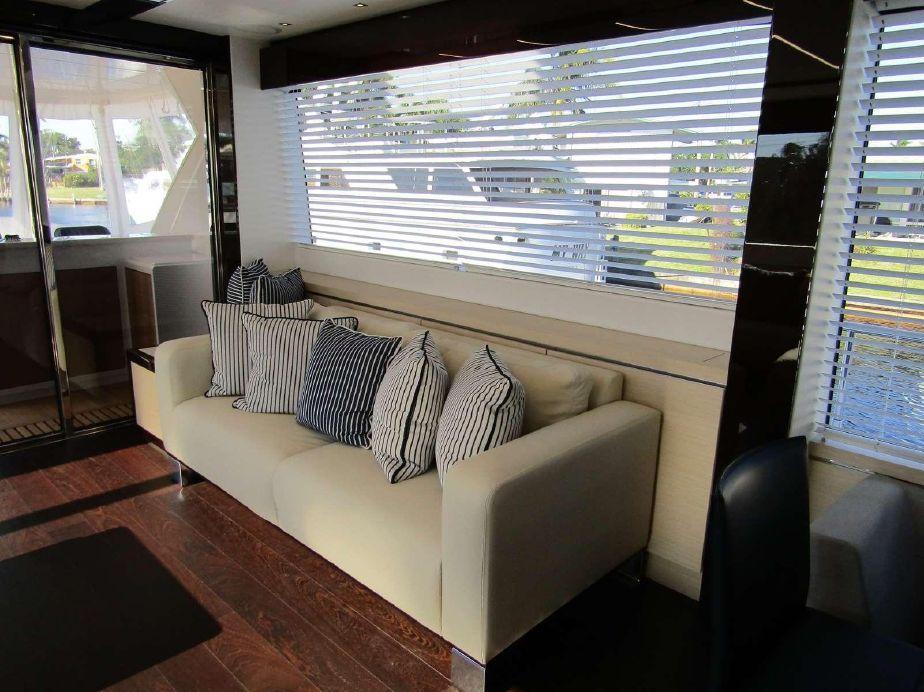 Sunseeker 76 Yacht | Интерьер 3