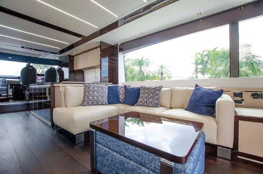Sunseeker 76 Yacht | Интерьер 2