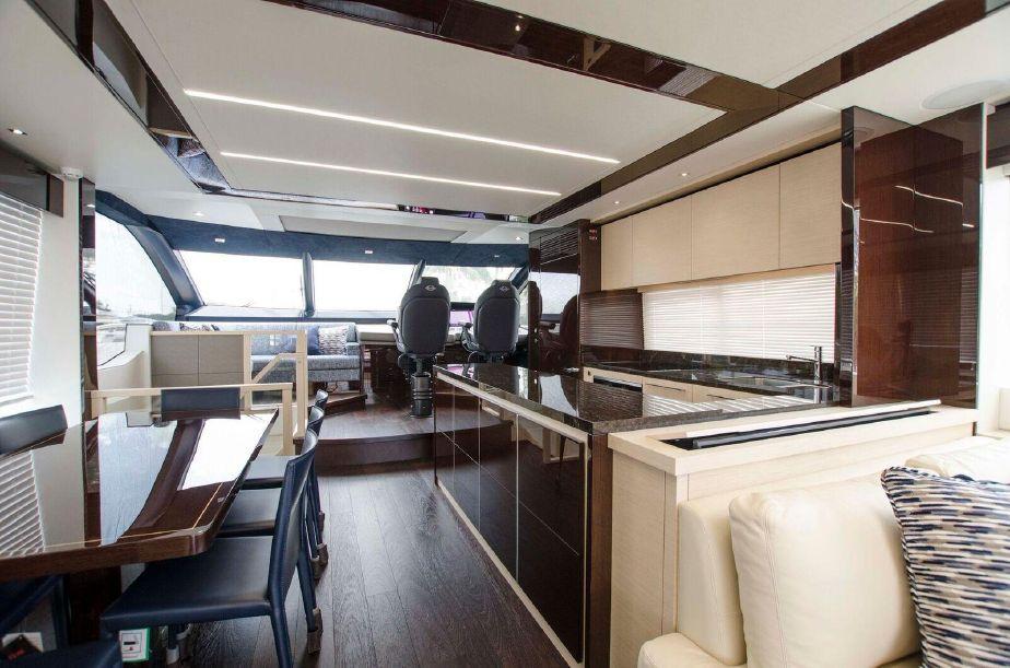 Sunseeker 76 Yacht | Интерьер 7