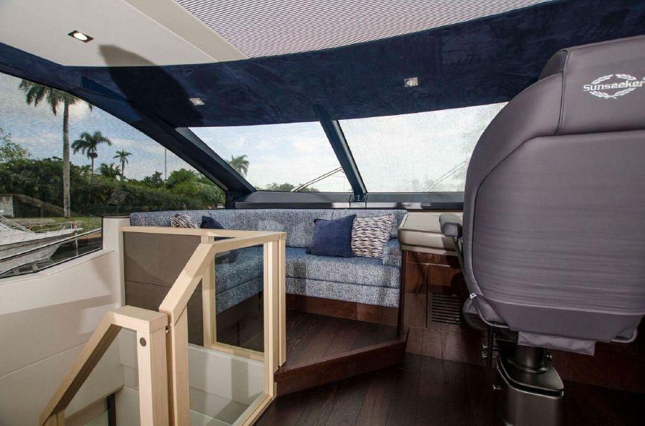 Sunseeker 76 Yacht | Интерьер 10