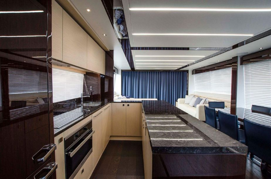 Sunseeker 76 Yacht | Интерьер 6