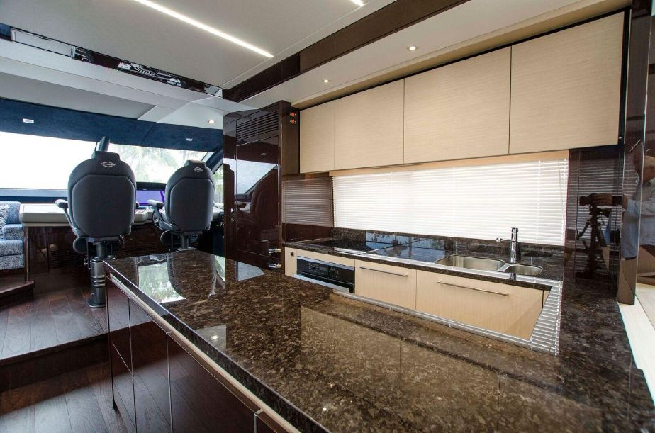 Sunseeker 76 Yacht | Интерьер 5