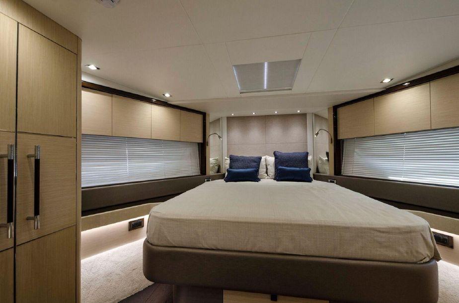 Sunseeker 76 Yacht | Интерьер 16