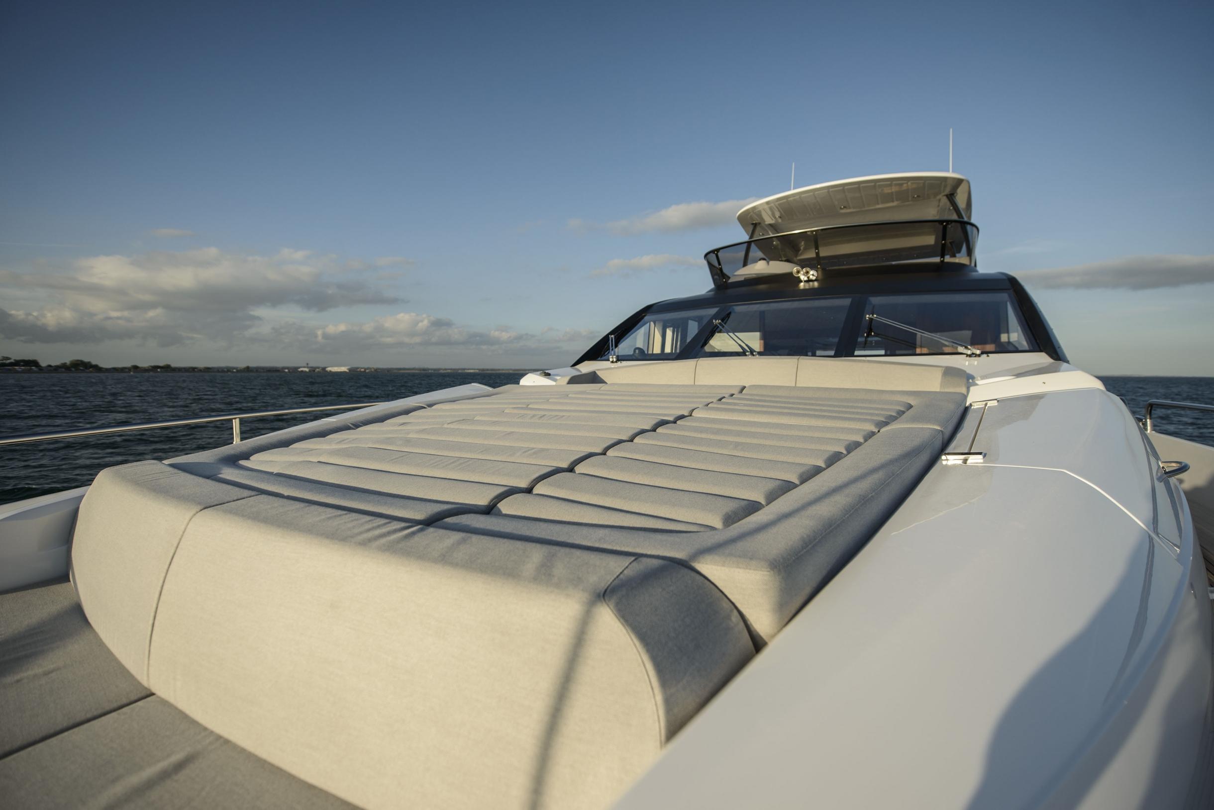 Sunseeker 75 Yacht (REF. SS-7516) | Экстрьер 8